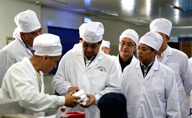 河南省副省长何金平莅商调研食品药品安全工作