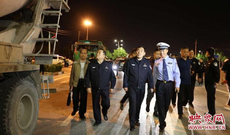 马义中带队!7大战区、30个卡口 郑州严查渣土车交通违法