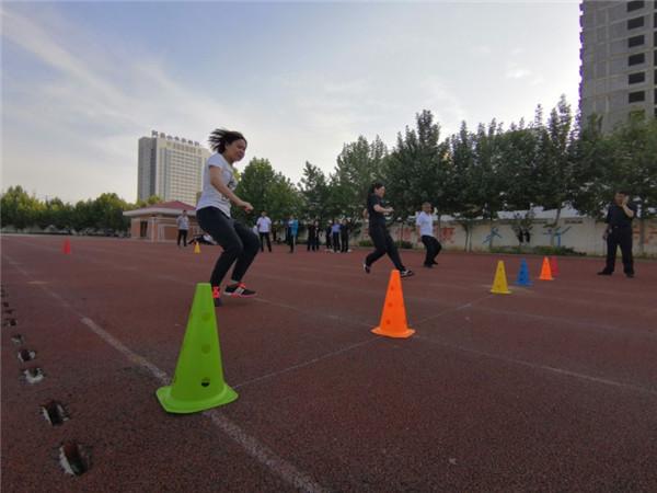 邓州:胜利派出所组织开展体能测试活动