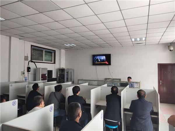邓州:交警开展机动车驾驶人满分教育培训活动