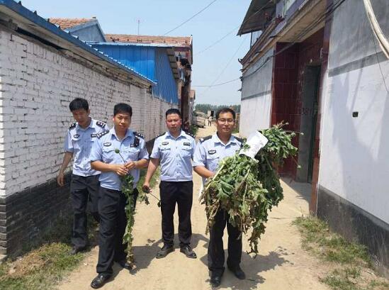 虞城县公安局店集派出所开展禁毒宣传活动