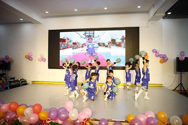 商丘天元幼儿园举行欢庆六一儿童节文艺汇演
