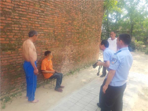 溧河:社区民警入户为行动不便的儿童办理身份证