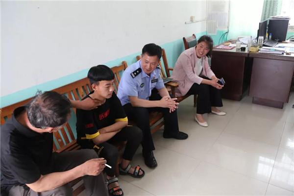 社旗县公安局代理妈妈六一前夕看望慰问贫困儿童