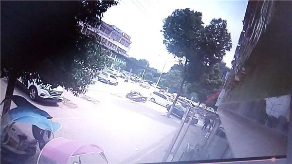 桐柏公安城关派出所:残疾窃贼连作案   民警追踪一窝端