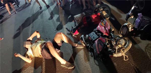邓州:特警队员下班途中紧急救助因车祸受伤老人