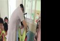 内乡县王店镇卫生院为全镇儿童进行免费体检服务
