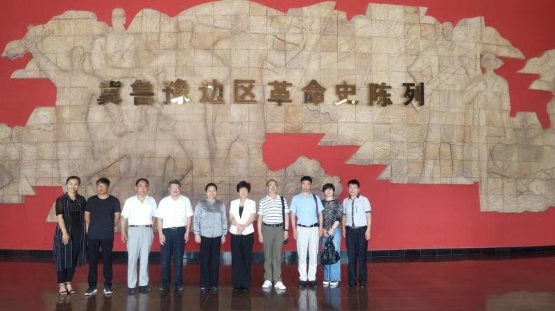 商丘九三组织社员到冀鲁豫边区革命纪念馆参观学习