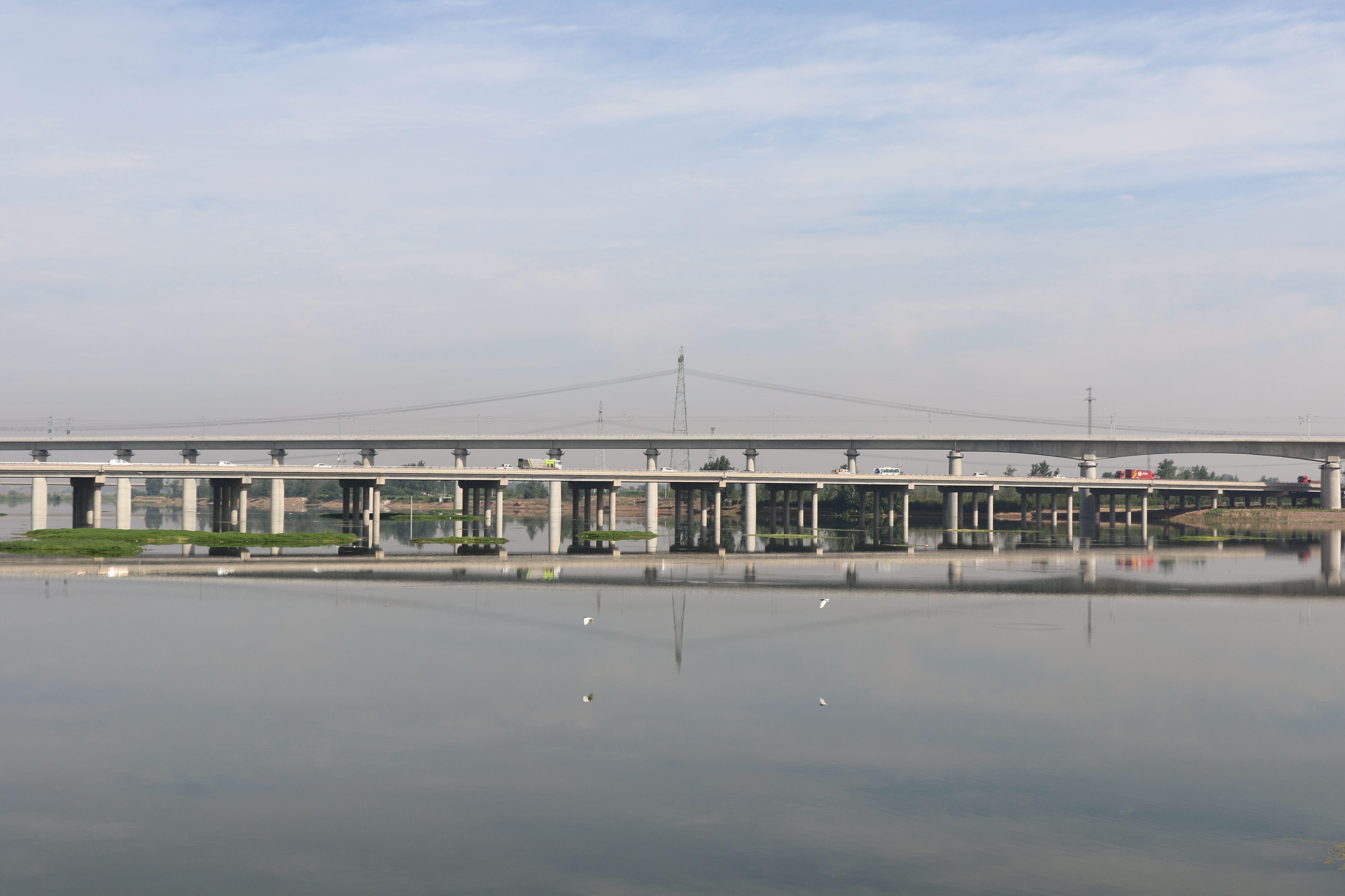 水天一色!北汝河郏县城区段橡胶坝蓄水可为10万人提供可靠用水保障