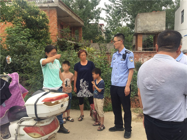 邓州罗庄派出所:两小学生放学失踪家长报警  民警二十分钟找回