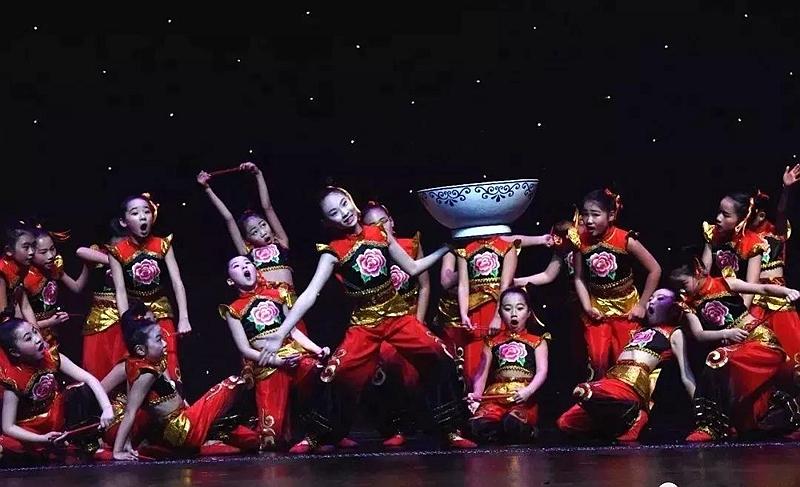 《烩面,真中!》:泌阳金蓓舞蹈学校原创舞蹈作品即将参加全国展演