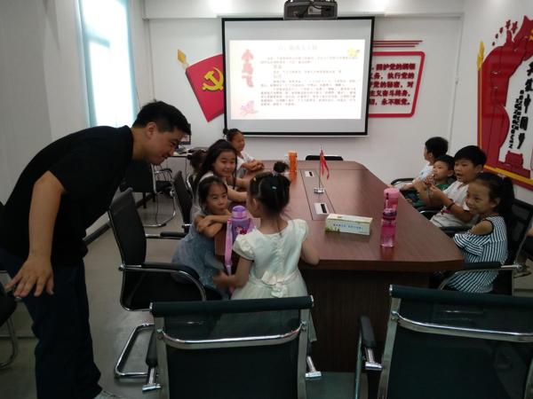 """郑州市人民路街道组织开展""""我是小小主持人""""培训活动"""