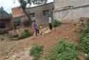 【我们社区里的故事】内乡公安桃溪派出所走访化解纠纷 助力农村厕改工程