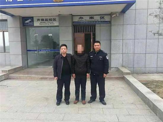 南召公路巡警卢飞——做好交通管理份内活 实现辖区平安大作为