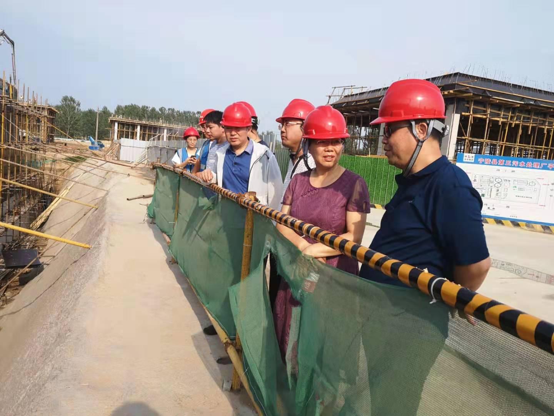 宁陵县专业拔尖人才工程企业服务团助力水污染防治一线调研