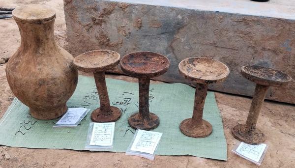 郏县北大街大型古墓群发掘结束 出土文物近400件套