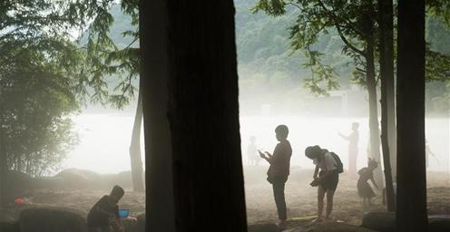 """凉爽异常!新安江畔再现晨昏""""白沙奇雾""""的景观"""