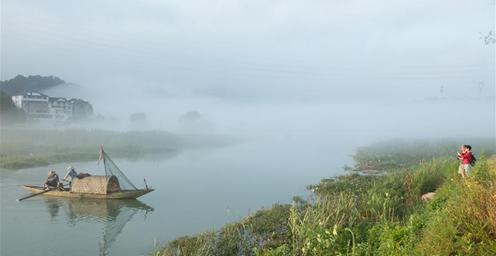 浙江建德:江上渔模 为家乡山水增色