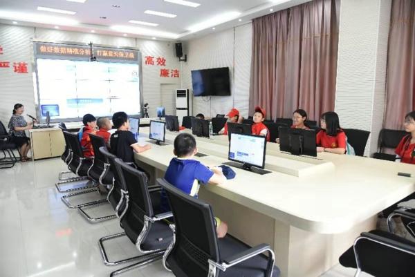 公众开放日.中华校园小记者暨环保志愿者走进郑州生态环境局