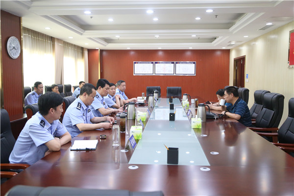 南阳市公安局副局长周长远到社旗县局督导工作