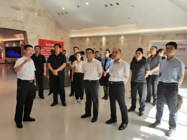中央统战部六局调研组一行到郑州调研新的社会阶层人士统战工作