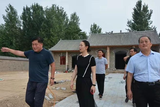 赵向群 路绪荣等领导到张弓镇视察淮海战役后方救治站项目建设情况