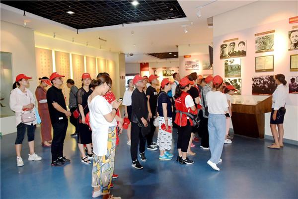 南阳义工走进红色教育基地 接受革命精神洗礼