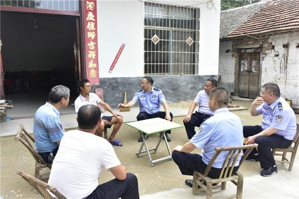 马骁同志深入裴营乡前郑村调研指导工作