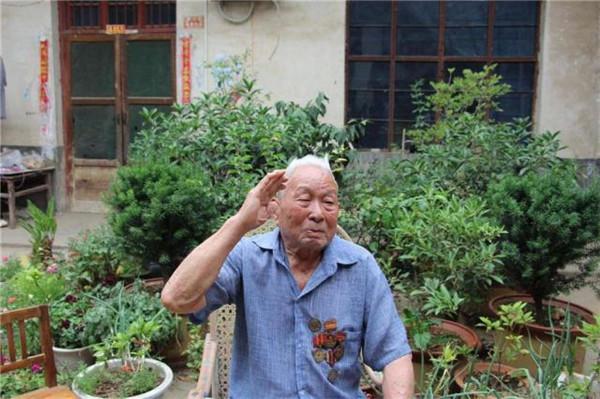打开天津大门 参加三大战争:藏功乡野守初心的97岁老英雄解建业