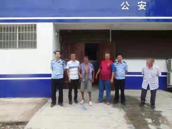 邓州民警帮走失七天的异乡老人找到家人
