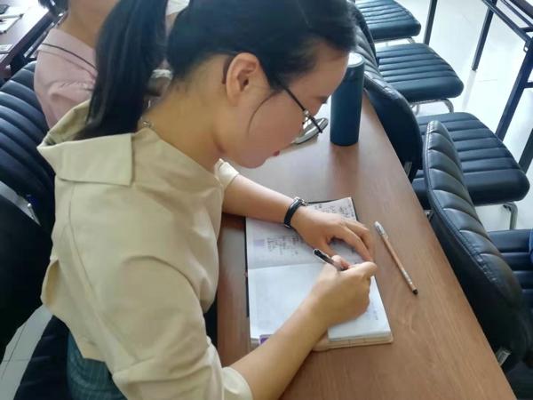 郑州市高新区五龙口小学召开新学期第一次全体教师会议