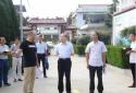 内乡县教体局长孟海波到岞曲初中调研新学期准备工作