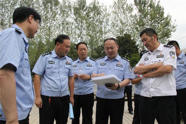 南阳市公安局副局长魏玉廷深入新野调研督导工作
