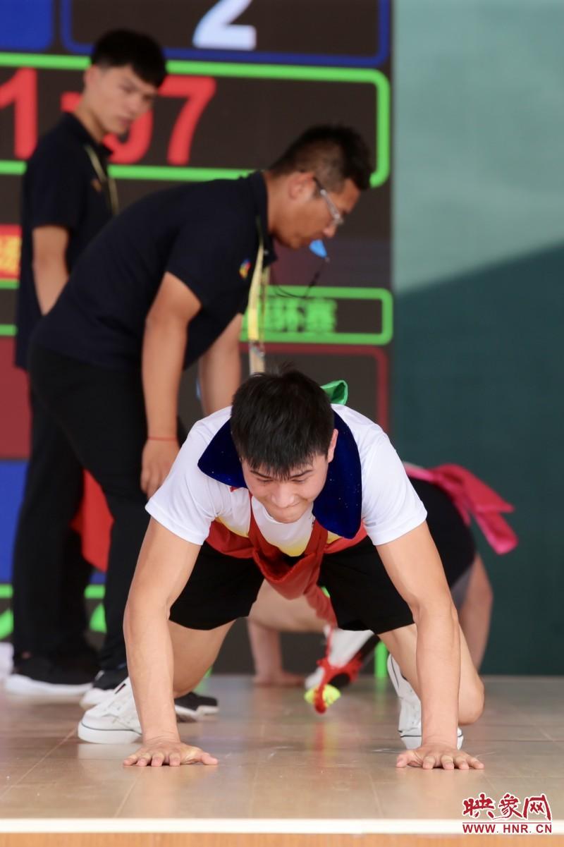 第十一届全国民族运动会押加比赛精彩纷呈 新疆选手表现优异
