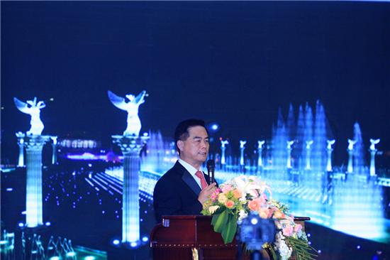 第五届美中杰出贡献奖颁奖盛典将在郑州西亚斯学院举办