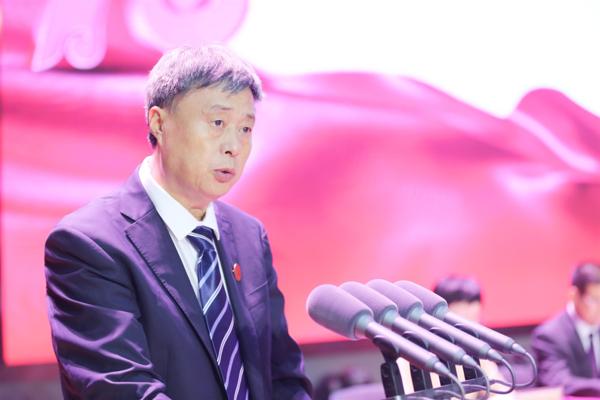 河南师范大学新联学院举行喜迎新中国成立70周年·庆祝第35个教师节暨表彰大会