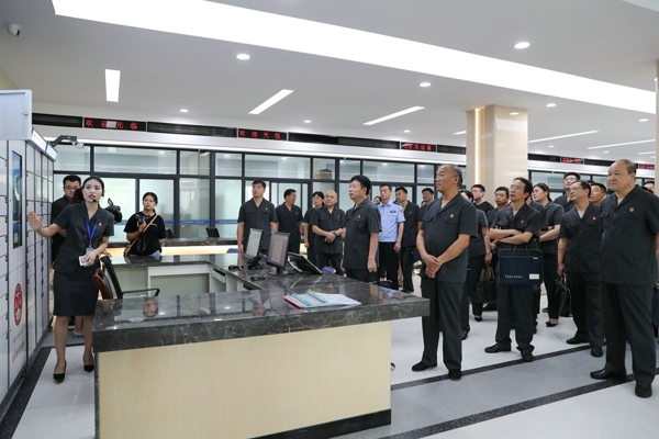 南阳中院大力推进诉讼服务中心建设