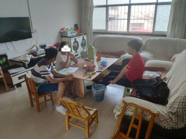 爱心点燃希望,助学放飞梦想——上海交通大学助飞计划李昂珂团队走进内乡马山口镇