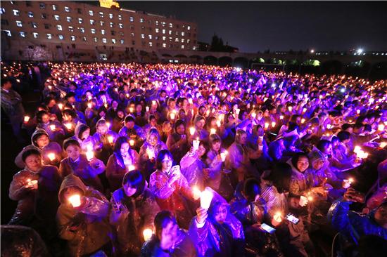 郑州西亚斯学院2019年开学典礼暨迎新烛光晚会璀璨上演