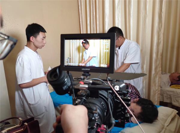 【郑领袖•第17期】朱霞:传承中医文化 让更多人为不生病而走进济华中医馆
