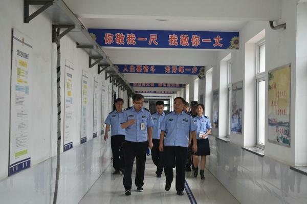 马骁局长深入基层检查指导新中国成立70周年大庆安保工作