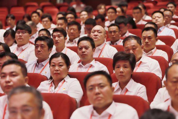 """东方今典集团老中青三代员工""""不忘初心"""" 助力公司战略转型升级"""