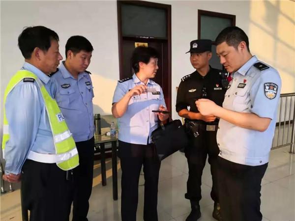社旗公安局执勤民警查获2名涉嫌非法入境外籍妇女