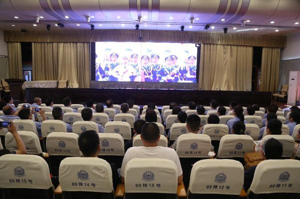 """邓州市公安局组织开展庆祝新中国成立70周年和""""不忘初心、牢记使命""""系列教育活动"""
