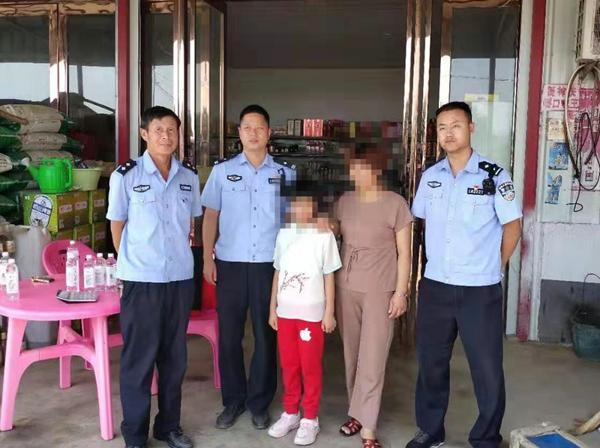 """公安国庆""""不打烊"""" 民警在岗保平安"""