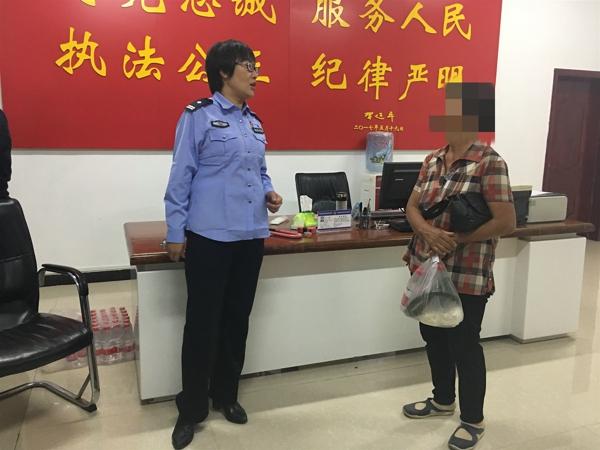 内乡县医院警务室民警积极救助辖区困难群众