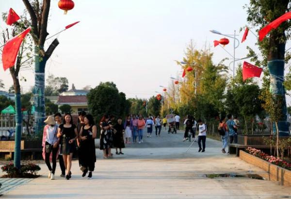 潢川县:国庆假期带动乡村旅游