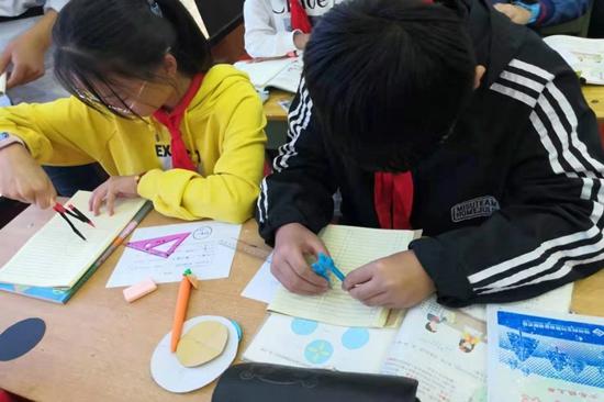 集体提炼脉络 交流扩充内涵 ——郑州市伏牛路小学举行数学单元教学教研活动