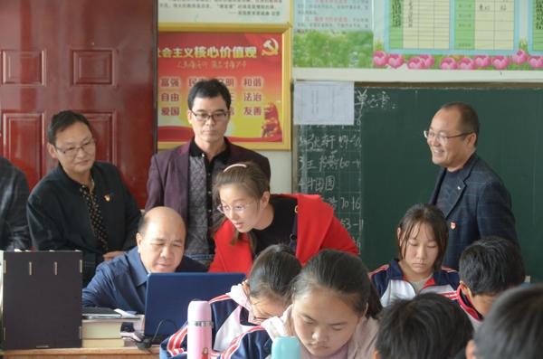 内乡县教体局党组书记、局长孟海波的初心和使命:他把深入基层调查研究作为常态工作