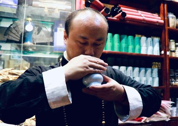 【守艺中华】80后非遗传承人释恒真:古方合香制香的坚守与传承者